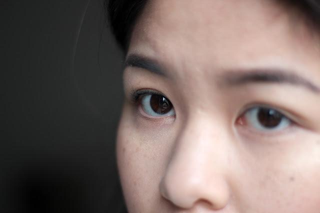 Tipps für kurze Wimpern: Wimpernzange