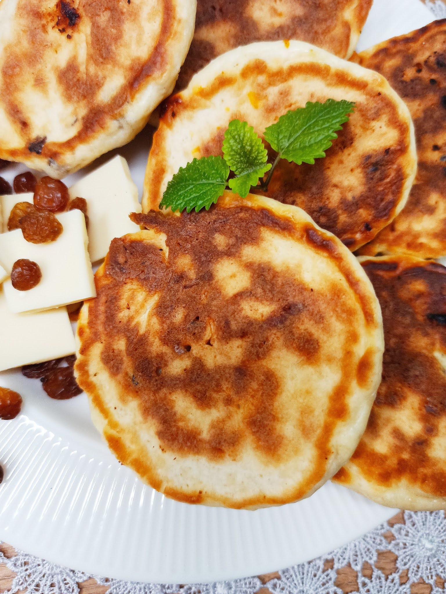 Placki kokosowe z rodzynkami i białą czekoladą