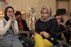 Nissa Sabyan - Atouna El Toufoule (feat. Nagita Slavina) Lirik Lagu Atouna El Toufoule