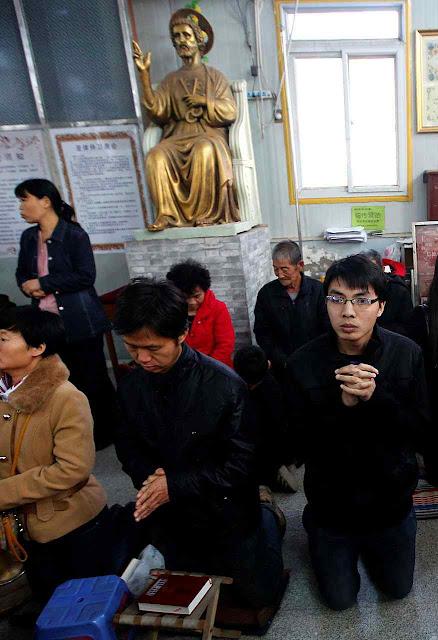 Católicos podem ser presos com sofismas contidos no 'Manual do delator'