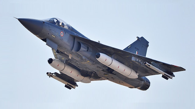 First-Tejas-Squadron-to-Fly-Before-Diwali-Manohar-Parrikar