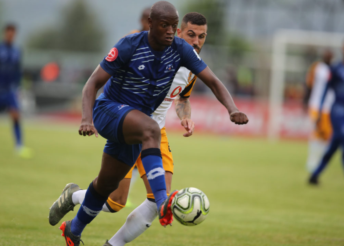 Judas Moseamedi challenges for the ball against Chiefs