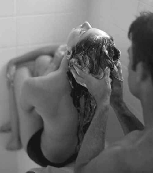 mycie głowy   woda   piana   dziewczyna   mężczyzna