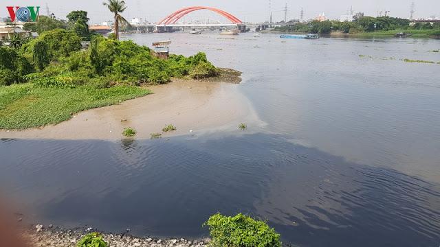 Nguy cơ rác thải nhựa bức tử sông Sài Gòn