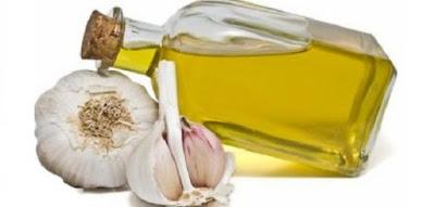 وصفة الثوم والزيوت الطبيعية لتطويل وتنعيم الشعر