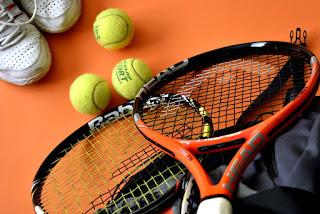 peralatan tenis