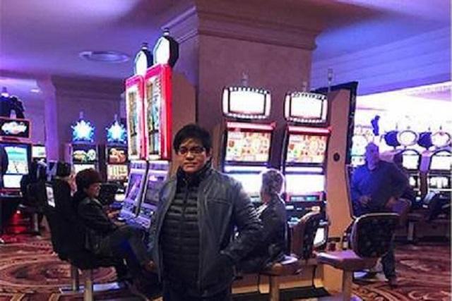 Blogger UMNO Juga Hentam Azalina Masuk Kasino Di Las Vegas
