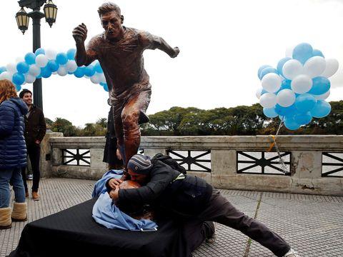 Patung Messi Diresmikan di Buenos Aires