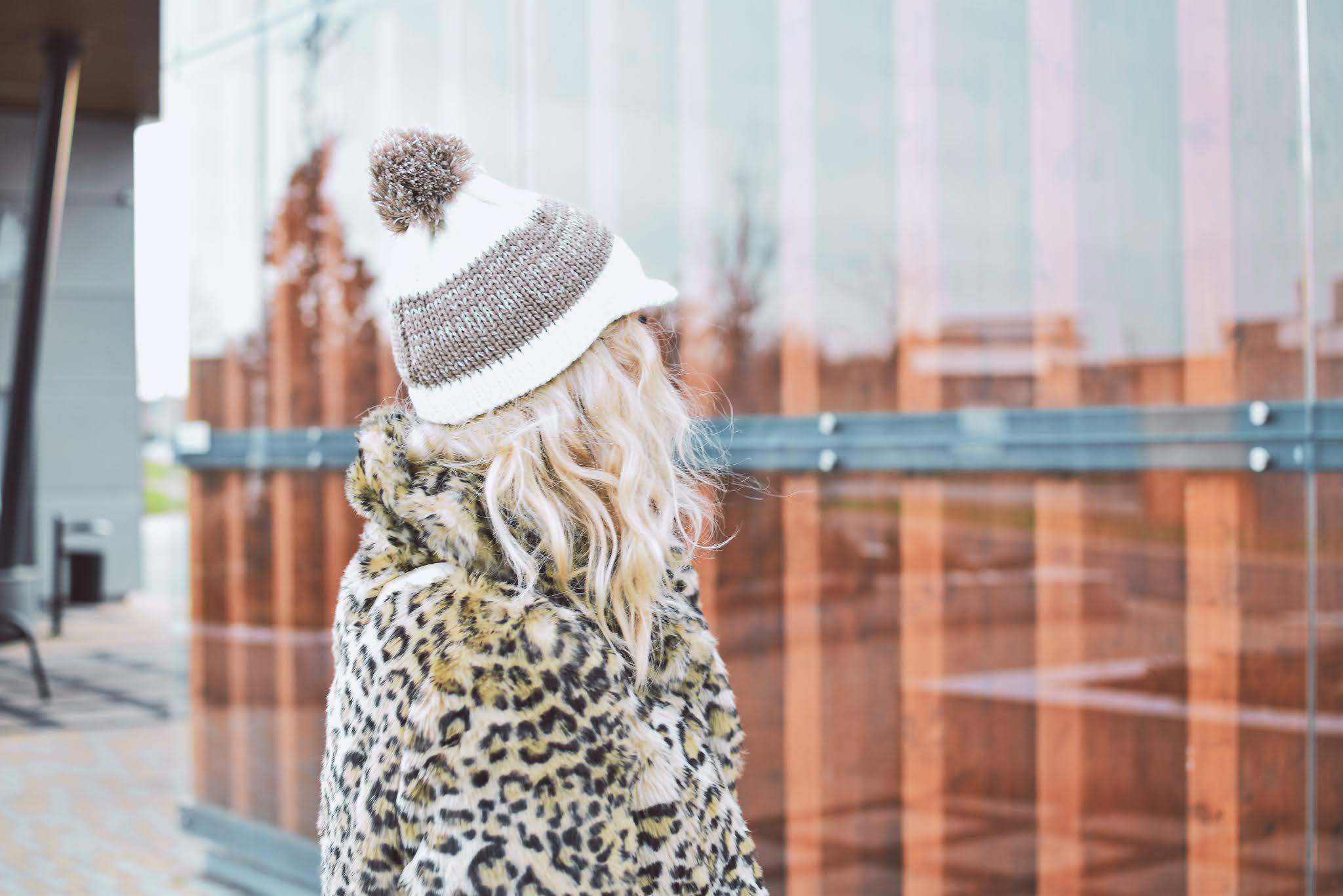 zima, czapka,rękawiczki,szaleo,futro,panterka,moda,sukienka,bonprix,bonprix.pl,sukienkadresowa,rajstopy,e-marilyn.pl,kozaki,pantofelek24,dworzec,