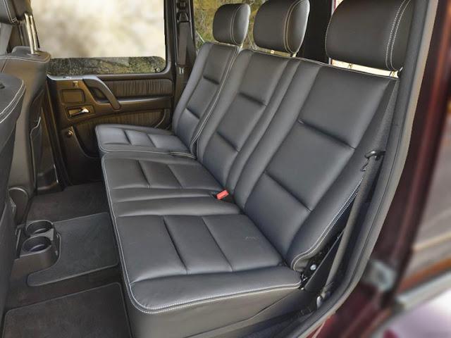 Băng sau Mercedes AMG G63 2017 thiết kế rộng rãi và thoải mái.