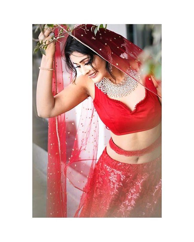 Actors Gallery: Payal Rajput Gorgeous Looks