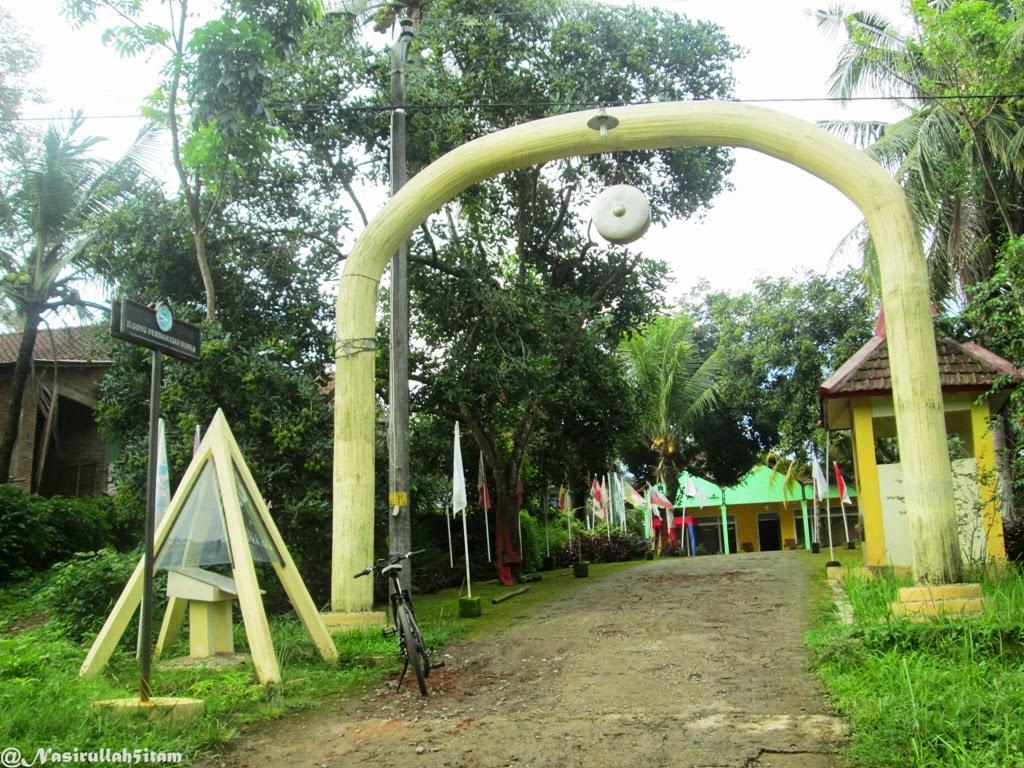 Pintu Gerbang Gong Perdamaian, Plajan, Jepara