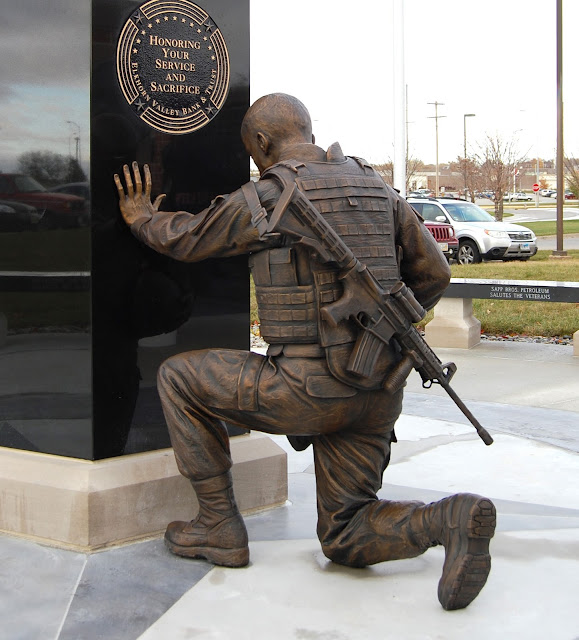 remembering the fallen sculpture