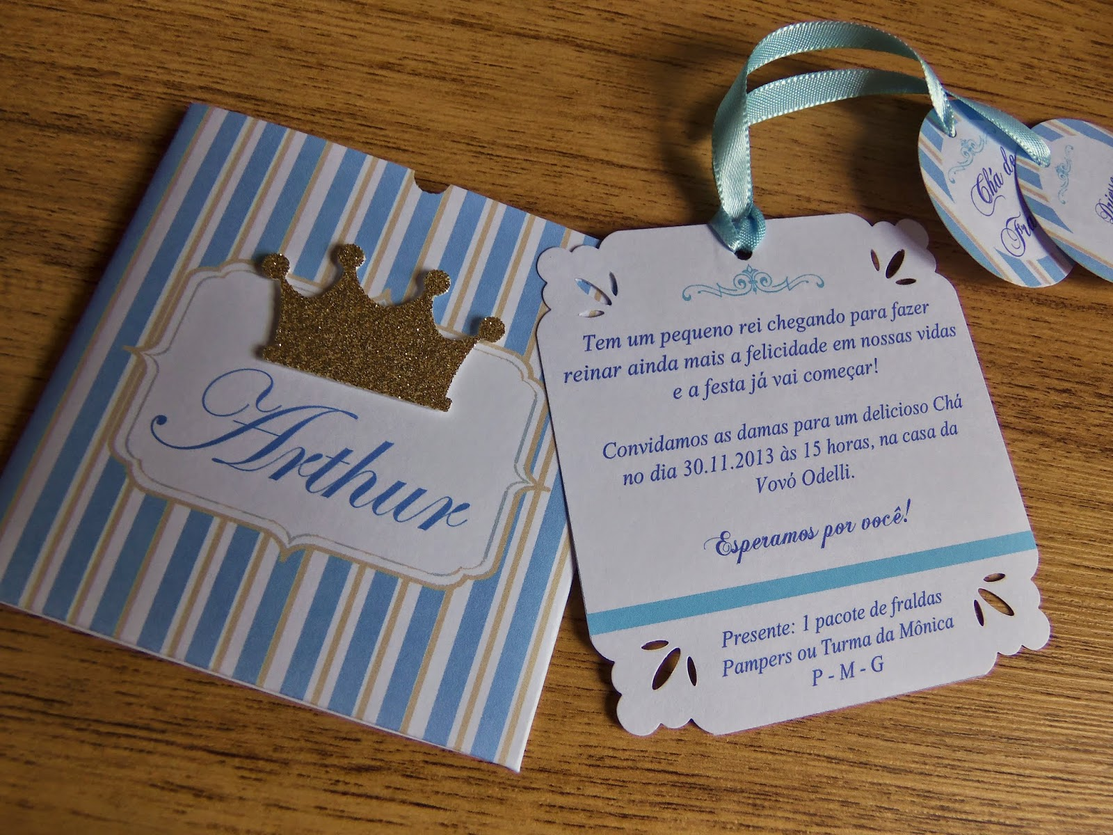 Inspirações de convites chá de bebê realeza