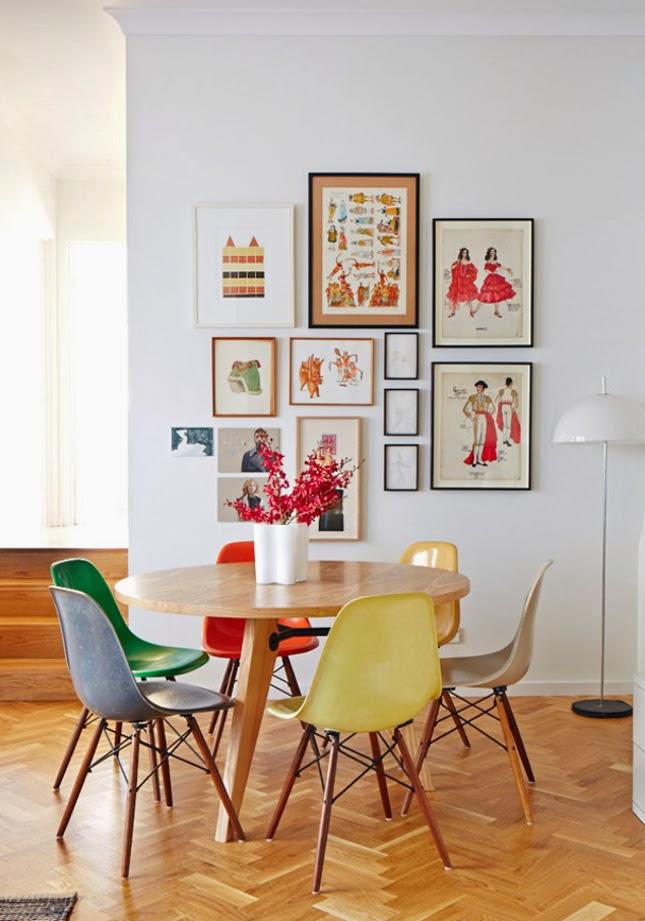 parede-decorada-com-quadros