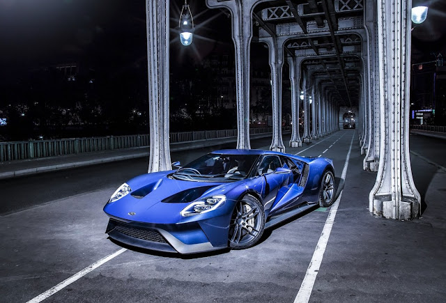 2017 Ford GT blue