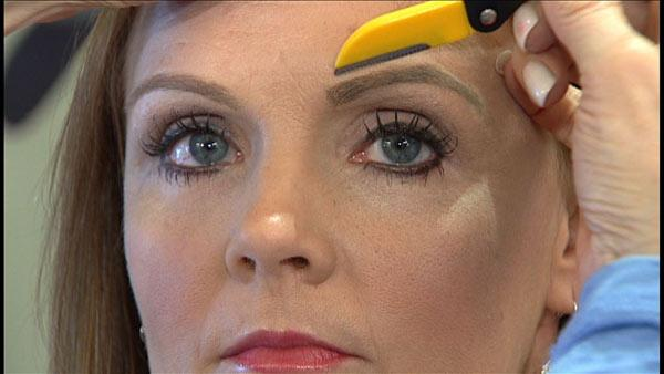 Eyebrow Grooming Methods: Eyebrow planing with Brow planer / Razor / Trimmer