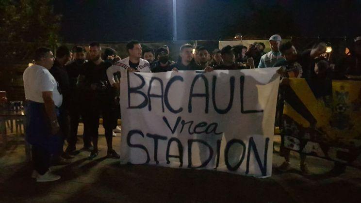 """""""Scuzati deranjul, BACAUL vrea STADION!"""""""