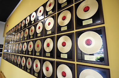Shoals gold record room for Furniture 4 less muscle shoals al