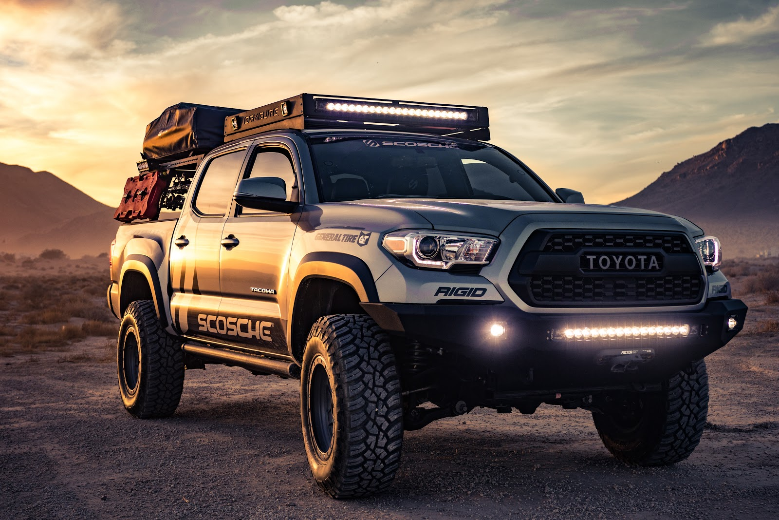 4k Wallpaper Automobile Automotive Branding Black Toyota 4-door Truck