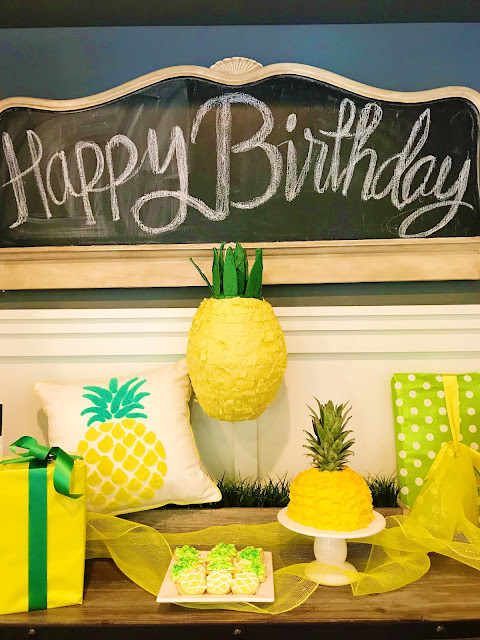Pineapple Themed Party @michellepaigeblogs.com