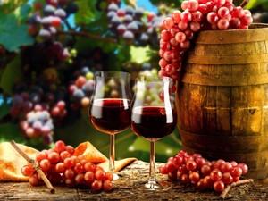 Месецът на любовта и виното