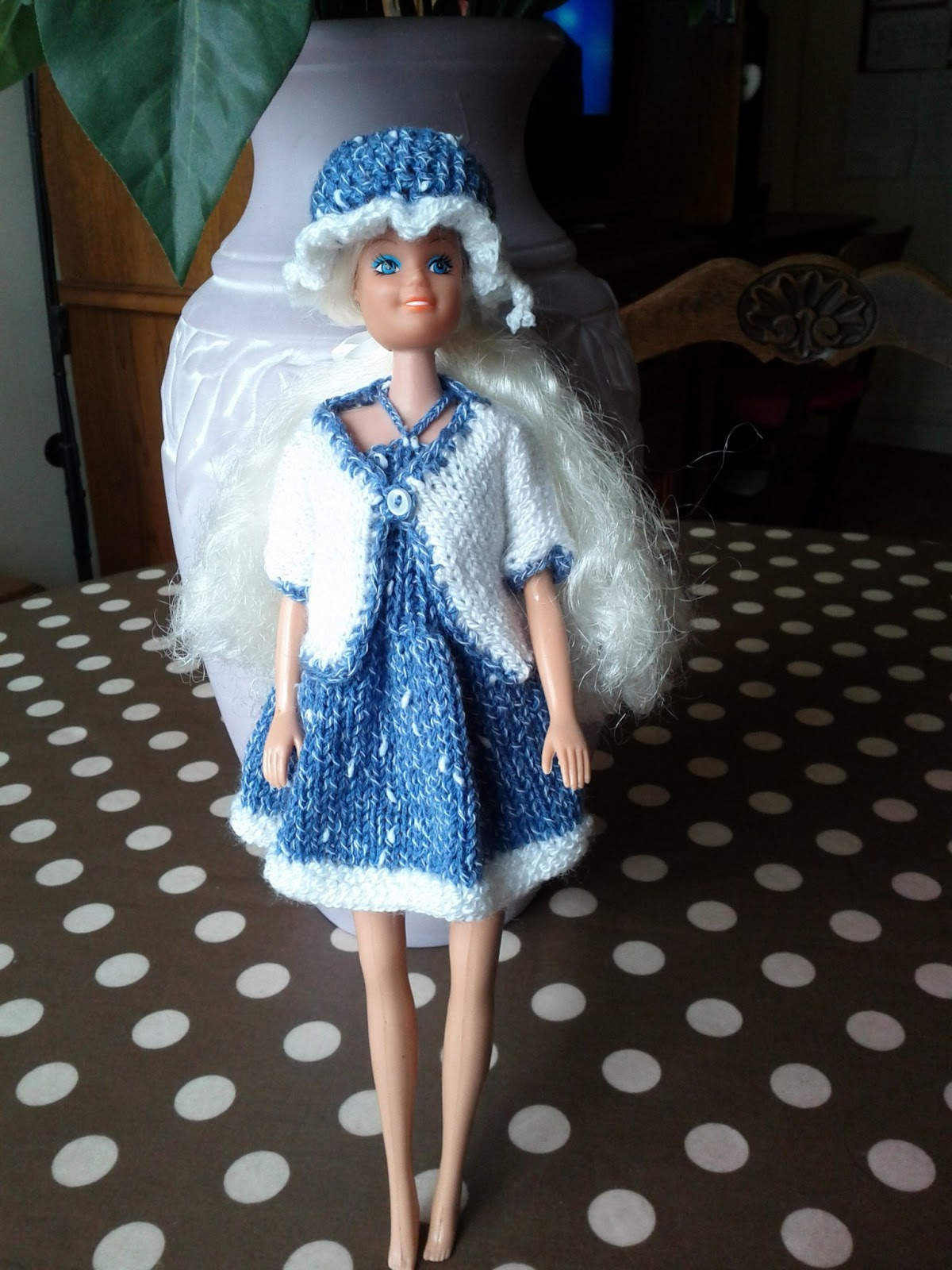 les passions de véronique: Vêtement barbie poupée mannequin au tricot