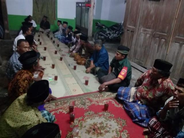 Babinsa Koramil 12/Manisrenggo Kompak Dengan Warga Masyarakat Hadiri Tahlilan