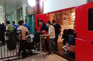 Video Tenaga Kerja Asal China Tiba di Bandara Haluoleo Bikin Panik Warga