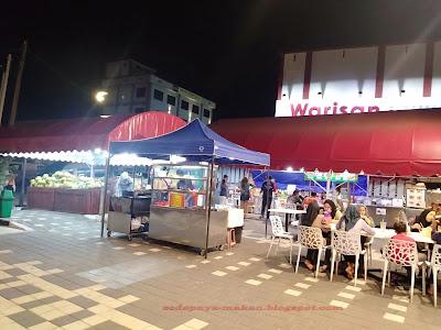 gerai satay dan makanan goreng-goreng/western food