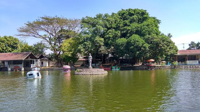 wisata Taman Balekambang di solo