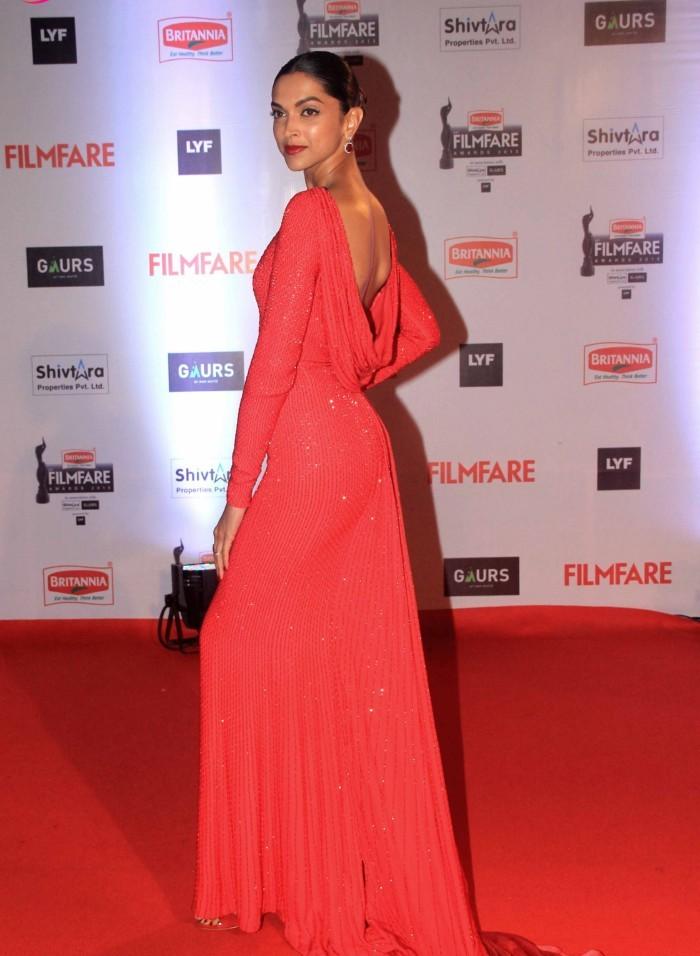 Deepika Padukone at Filmfare Awards 2016, Filmfare awards 2016 best dressed