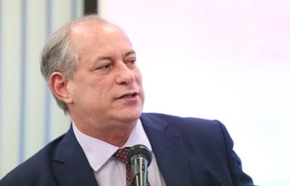 Ciro não acredita na aliança Camilo-Eunício