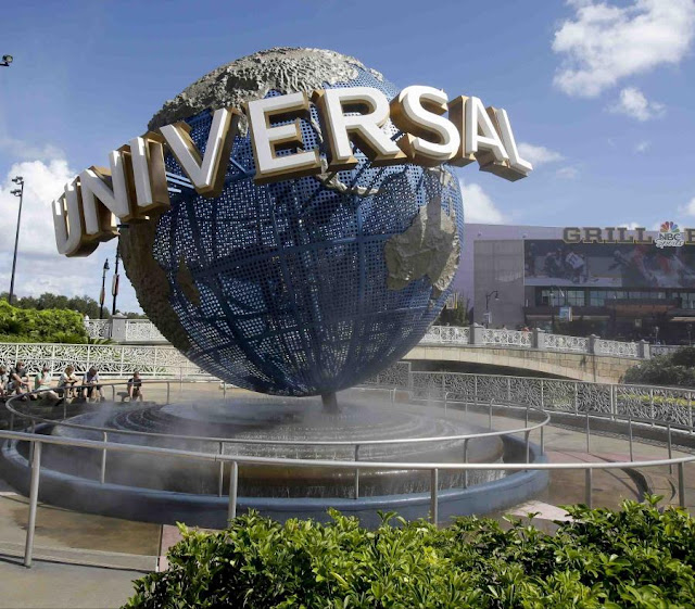 """Universal Studios cancels the premiere of """"The Hunt"""" for shootings."""