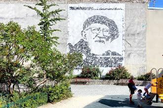 Street Art : JonOne, hommage à l'abbé Pierre - Square des Deux-Nèthes - Paris 18