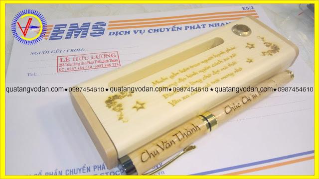 Bút gỗ khắc tên theo yêu cầu mẫu 1