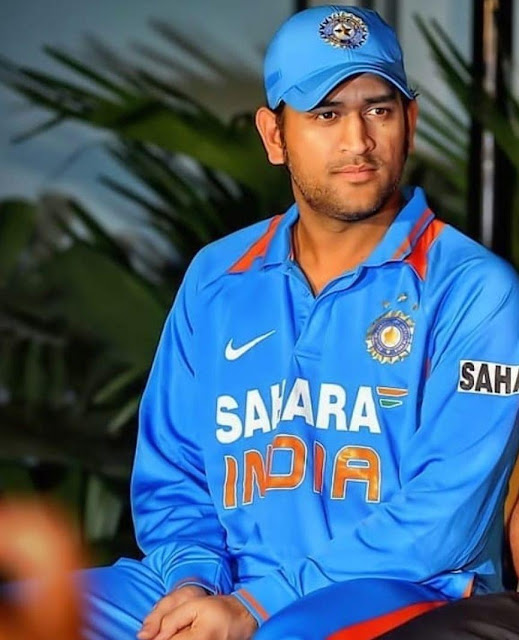 50+ Mahendra Singh Dhoni HD Images with Ipl Dress