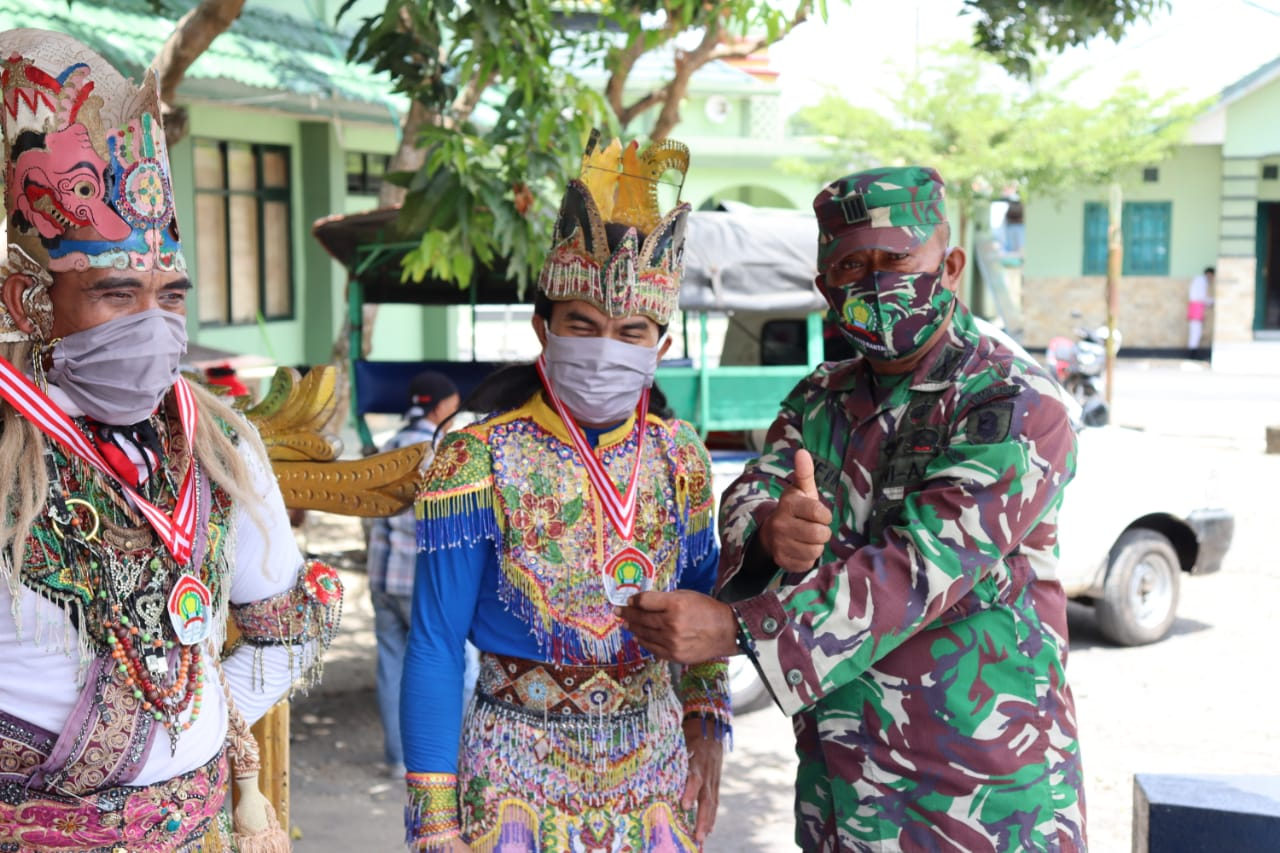Lestarikan Budaya Lokal, Kodim 1010/Rantau Menggelar Pagelaran Tari Kreasi Darah Kalimantan