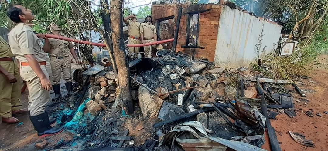 A house was set on fire near Dhanavachapuram school,www.thekeralatimes.com