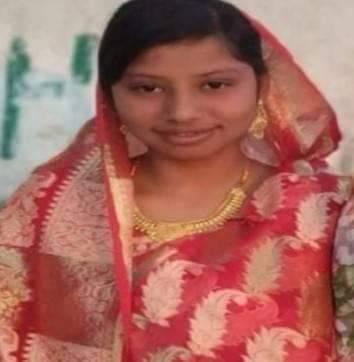 সিরাজগঞ্জে উল্লাপাড়ায় এক পুলিশ কনেস্টবলের স্ত্রী লাস ডোবা থেকে উদ্ধার