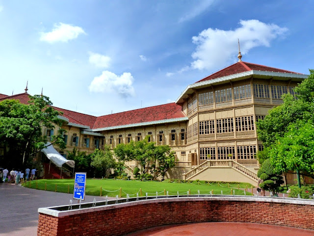 palacio suan dusit - visita imprescindible en Bangkok