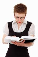 chica leyendo libro