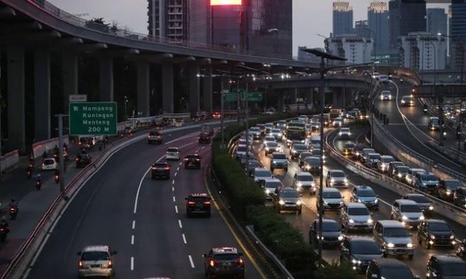 Anіеѕ Bаnggа Jakarta Kеluаr dari 10 Kota Tеrmасеt Dunia, Wаrgа: Jаngаn Hаnуа Sааt Pаndеmі
