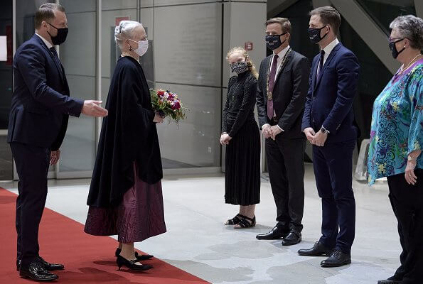 Queen Margrethe attended the gala final of the Lauritz Melchior International Singing Competition. pearl necklace and amethyst diamond earrings