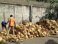 produk lantai kayu di Batam