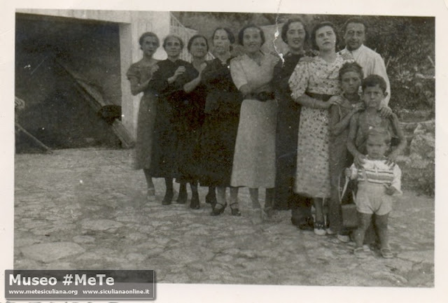 I Basile: Lidia, Mariangela, Anna, Elvira, Pina, Cristina, Maria, Liuigi, Beppe, Silvio, Manlio