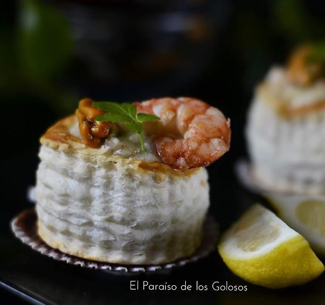 Canapés De Pescado , Mejillones Y Gambón