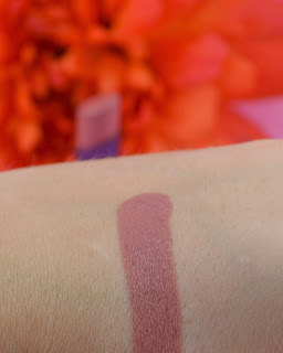 Urban Decay - Liar - lipstick - nude lipstick - timeless make up - swatch - review
