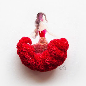 06-Lim-Zhi-Wei-Limzy-Paintings-using-Flower-Petals-www-designstack-co