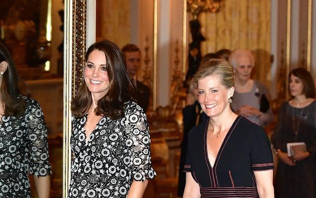 Kate i hrabina Sophie na Commonwealth Fashion Exchange